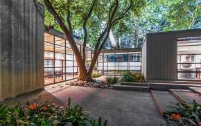 Int'l Style Estate in Brentwood(LA)